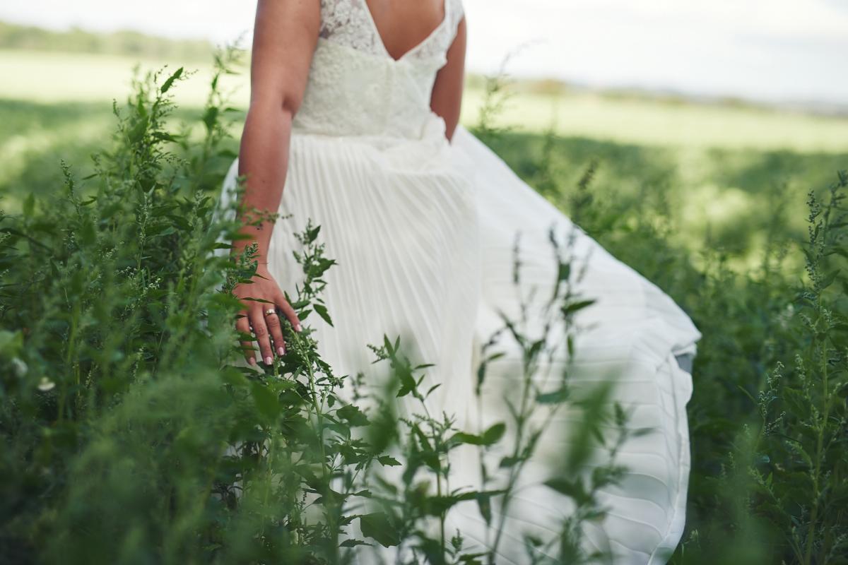 bröllopsfotograf falkenberg brud äng